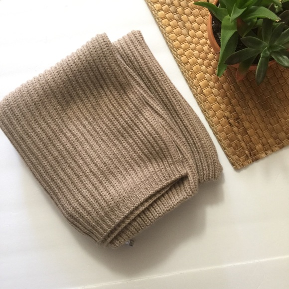 BCBGMaxAzria Accessories - Bcbg taupe soft scarf with zippers